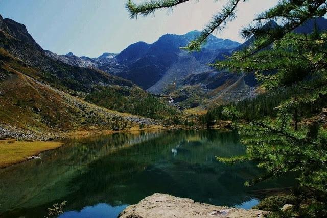 Lago d'Arpy.jpg