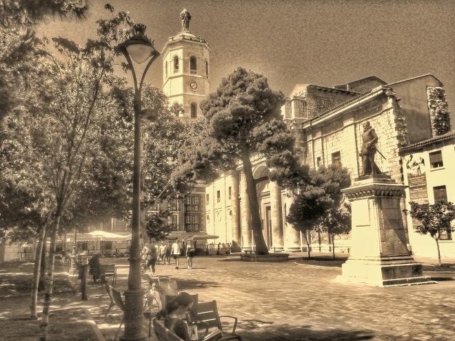 plaza de la univ