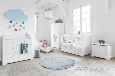 habitacion-infantil-nordica-tonos-blancos